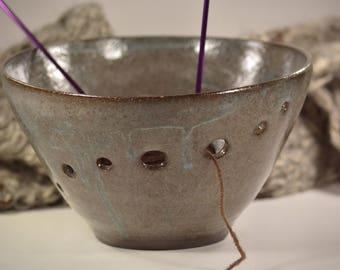Yarn bowl, Knitting bowl, Modern yarn bowl knitting, Yarn organizer, Yarn bowl, Crochet bowl with dark brown clay, organizer for knitting.
