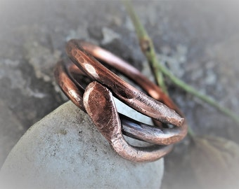 Copper ring men's and women's - Thick copper coil ring - Chunky copper snake ring - Hammered copper ring - Copper wrap ring - Statement ring