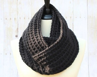 Black Infinity Scarf, Chunky Infinity Scarf, Black Loop Scarf, Black Scarf, Chunky Crochet Scarf, Black Women's Scarf, THE HENSLEY