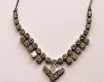1950S SPARKLING DIAMANTE necklace with mop