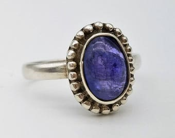 Tanzanite Cabochon & Sterling Silver Solitaire Ring - Size 7.25