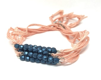 Bracelet adjustable beaded Bohemian and cotton, Collection Jaydana, oil colours and coral