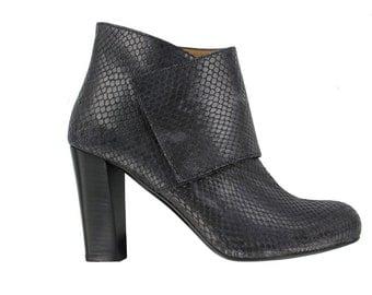 Low heel boots | Etsy