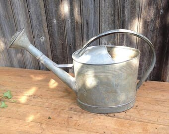 Zinc French watering can, Bent Handle, Good State, Seals, Volume 10l, Shabby Chic