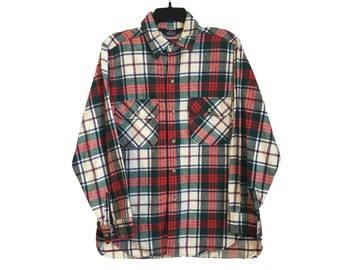 Vintage Woolrich White, Red, and Green Plaid Button-Up Shirt Medium/Large FREE SHIPPING!