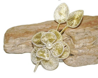 Wire Wrapped Jewelry, Wire Wrapped Brooch, Vintage Pin, Flower Brooch, Intricate Jewelry, Dainty Jewelry, Flower Jewelry, Gold Flower