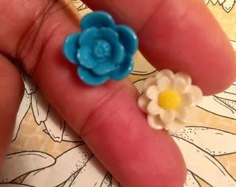 flower earring studs.