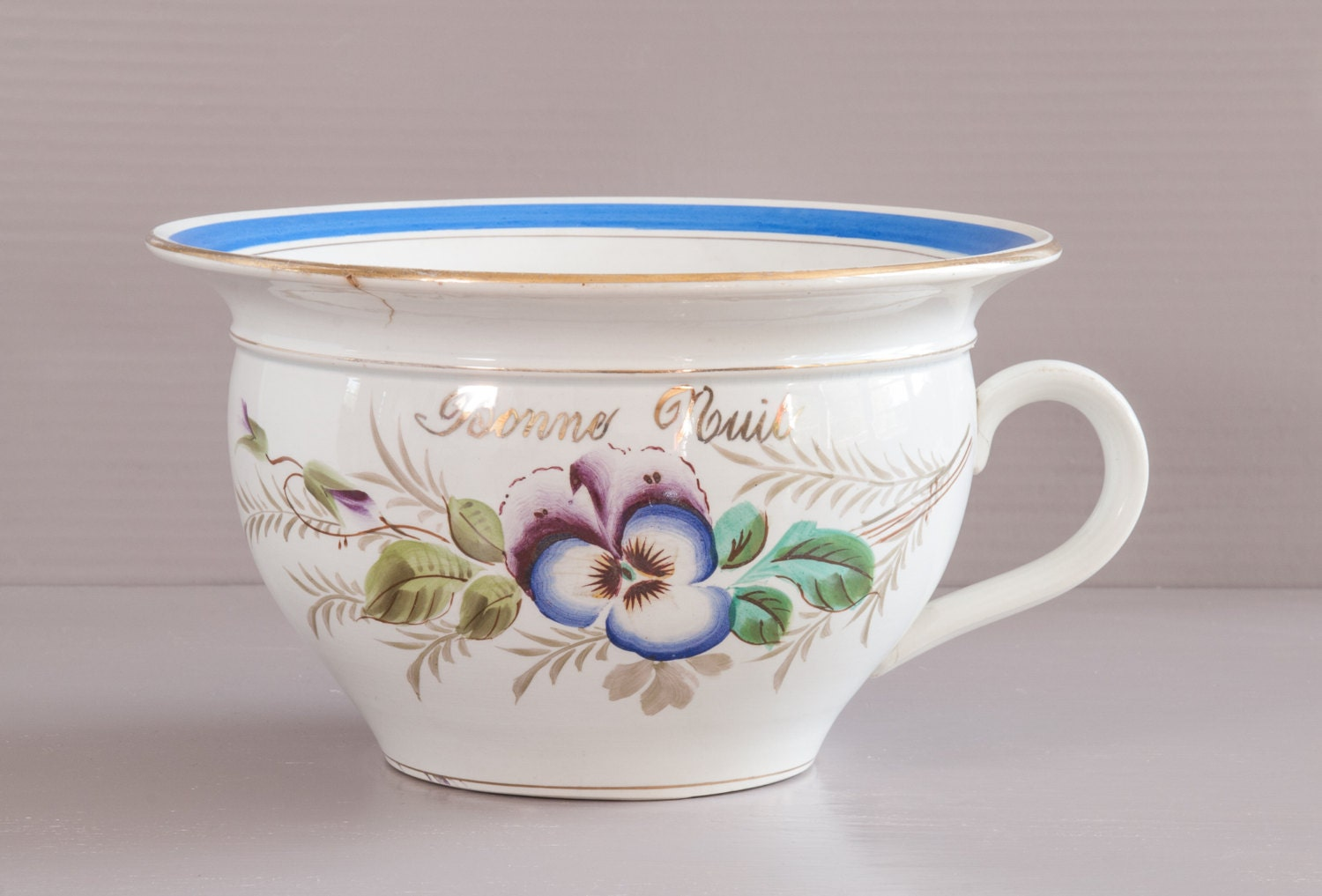 Antique chamber pot french chamber pot moulin des loups for French chamber