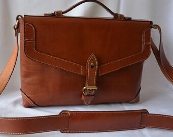 Купить недорого мужскую сумку в интернет-магазине