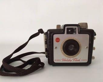 Vintage 1950's Kodak Brownie Holiday Flash Camera