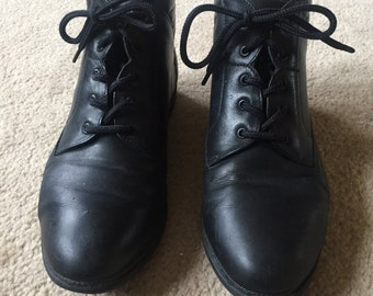 Vintage black boots, Size 6 boots, Black lace up boots, Granny boots