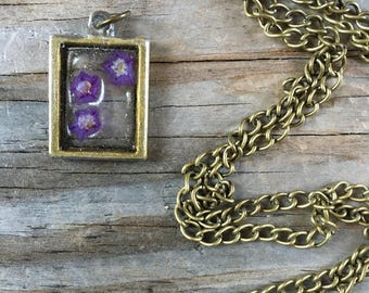 "Mini Frame with Natural ""floating"" Flowers Necklace"