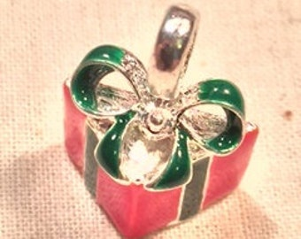 closeout Christmas Charms