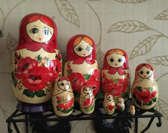 Vintage Russia Nesting Dolls