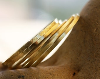 Set of 5 Brass bangles/ Textured Brass bangles/ Hammered Brass bangles/ Handmade bangles/Brass wire bangles/ Stacking bracelets
