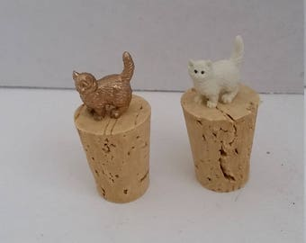 Cat Wine Bottle Stopper, Gold or White Kitten Wine Cork, Cat Person Wine Cork Bottle Stopper, Cat Adult Party Favors, Mother's day Wine Gift