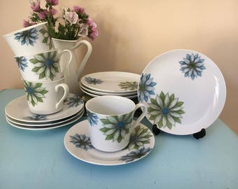 Vintage retro kitsch tea set with flowers - made in Japan