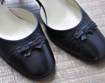 Vintage black kitten heel sandals with bow. Kampgen, handmade in Italy. Size 37/37,5 / 4/4,5