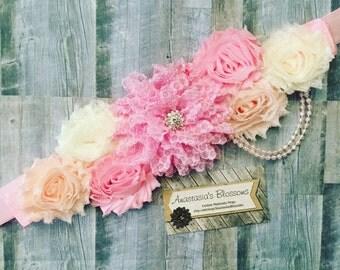 Pink Maternity Sash, Mom to be Sash Pink Maternity sash, Pink and White sash for baby shower, Pink Maternity Sashes, Maternity sashes