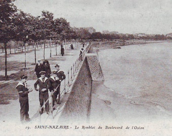 Early 1900s Post Card St. Nazatre, France. Unused