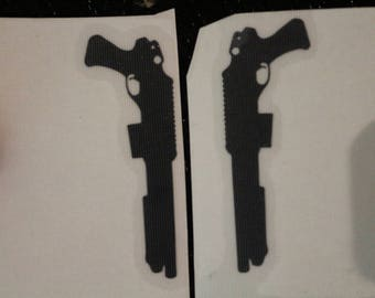 Pair of Shotguns Pump Pistol Grip Outline Decal Any Size Any Colors