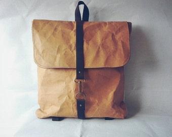 BACKPACK KRAFT handles leather, inside pocket.