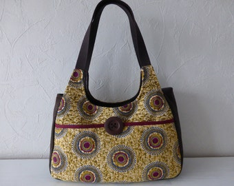 Handbag in jacquard fabrics multicolor effect wax of ethnic inspiration and imitation leather Brown aged effect