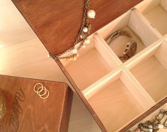 Jewelry box / chest for watches