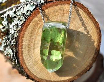 Lord of the Rings Necklace, Terrarium Crystal Necklace, Elven Necklace, Green Fern Necklace, Eco Resin Jewelry, Terrarium Pendant, LOTR Gift