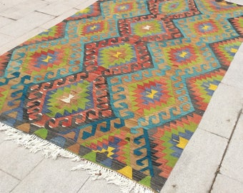 Bright colored red and green hand woven turkish kilim rug - 10 x 5 ft