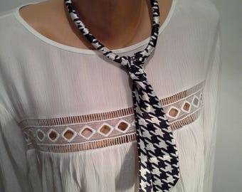 Kerchief with magnetic clasp