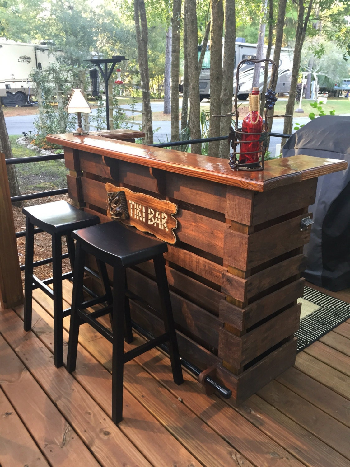 The kona pallet bar tiki bar holiday sale the most for Wood outdoor bar ideas
