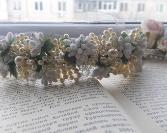 Bridal hair vine. wedding hair vine. long hair vine. hair vine. babys breath hair piece. crystal hair vine. bridal headpipearl hair