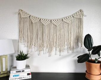 Macrame Garland / Macrame Wall Hanging / Christmas Garland