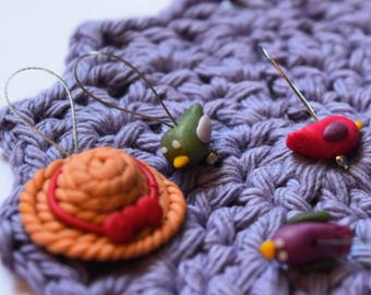 Knitting stitch markers: Spring is here!
