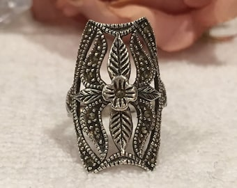 Absolutely Amazing & Substantial Sterling SILVER and MARCASITE Large FRONTED Ring-Raised Flower and Flowing Leaves-Marcasites-Size Q -Us 8