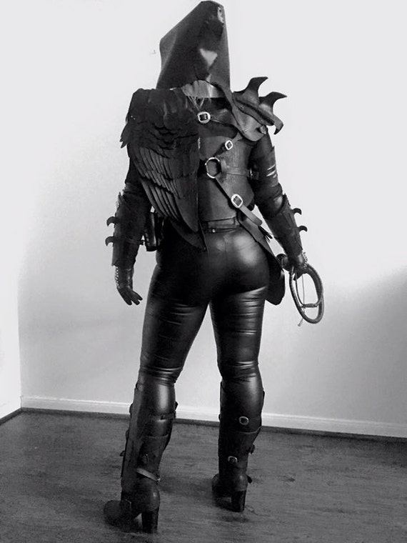The Raven Full Female Leather Armor Set Chestpiece