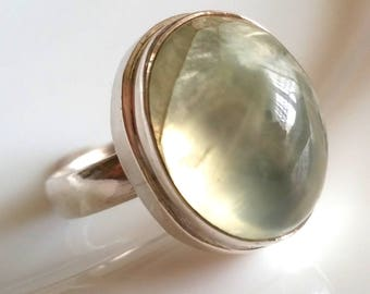 1 vintage ring, with Prehnite cabochon, 925 sterling silver