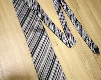 Vintage DKNY Tie Silk Necktie. Donna Karen New York Tie