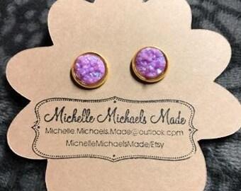 Medium 10mm Light Purple in Gold Setting