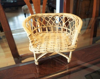 Miniature Wicker Love Seat Chair – Miniature Furniture