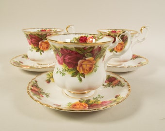 Royal Albert Old country roses, cup and saucer, Coffee cup, demitasse, bone china, porcelain, English china, transferware, vintage.