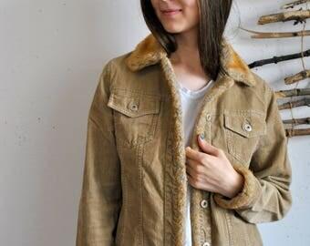 Biege velvet jacket 1990s 1980s womens vintage fur collar coat