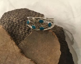 Navajo made Turquoise Bracelet
