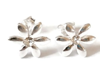 Sterling Silver Flower Stud Earrings/Highly polished/Gifts/wedding/bridesmaid