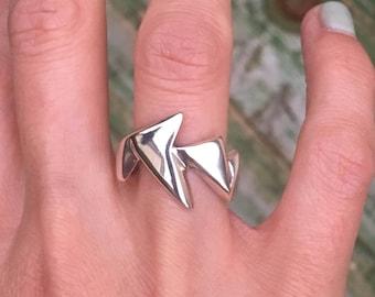 Popera Ring.