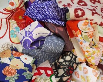 20 assorted Japanese old kimono fabrics, set of 20, various sizes and patterns