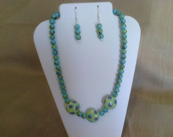 286 Cute Modern Green and Teal Blue Dotted Lamp Worked Glass Beads and Marble Style Spotted Teal Blue Beaded Necklace