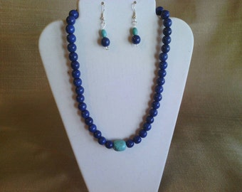 189 Elegant Magnesite Turquoise Dyed Lapis Blue and Teal Turquoise Center Bead Beaded Necklace