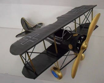 Plane 2nd war world designed to hand materials from recycling 27 x 26 cm
